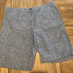 Men's linen shorts by Perry Ellis